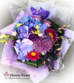 Buchet de flori Raluca cu livrare GRATUITA in Cluj, oferit de Floraria Hanca.Buchete de flori personalizate, livrate la domiciliu.