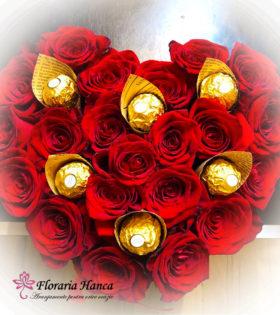 Cutie cu trandafiri in forma de inima cu livrare GRATUITA in Cluj, oferita de Floraria Hanca.Buchete de flori personalizate, livrate la domiciliu.